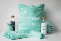 This sassy, mint-coloured canvas tote comes in a roomy 16' x 16' size. It's your trusty companion for all your exploits - whether it's the gym or the grocery run.